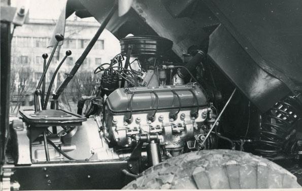 А вот и сам форкамерный двигатель установленный на ГАЗ 66Ф. Фото архивное