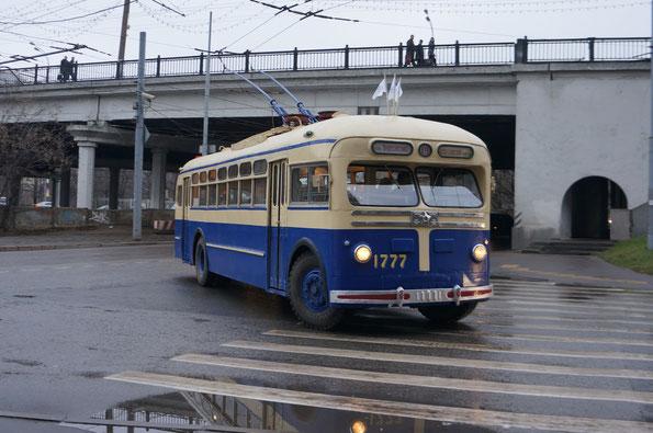 Троллейбус МТБ-82Д, 1954 года. Москва. 16.11.2013