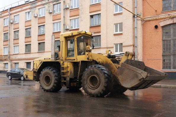 Фронтальный погрузчик К-742. Кировский Завод. 24/09/2013