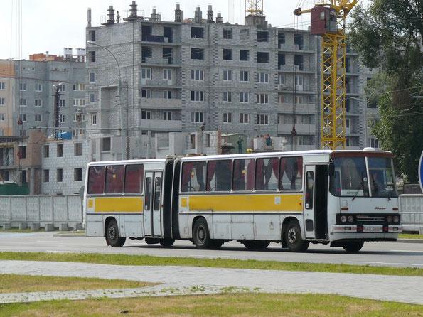 Пригородный автобус особо большой вместимости Ikarus 280.03. Схема дверей 2-0-2-0 (планетарные). Брест. 17.06.2008