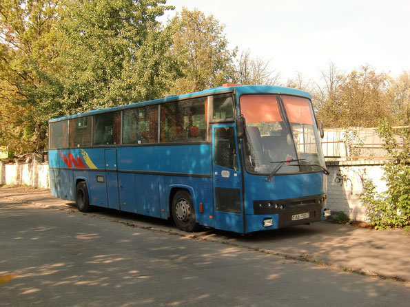 Междугородный автобус Smit Orion. Передняя маска заменена при ремонте. Минск. 26.09.2010