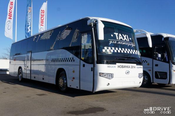Междугородный автобус Higer KLQ6119TQ. Длина за счет увеличения колесной базы и заднего свеса доведена до 12 500 мм. Соответственно возросла общая пассажировместимость и кубатура грузовых отсеков