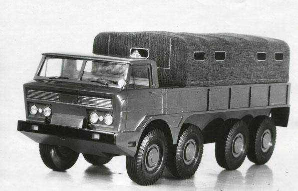 Макет автомобиля ГАЗ 44 с колесной формулой 8х8