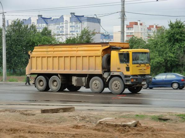 А вот Gloros A5402D (4352), 24-кубовый кузов которого показался слишком маленьким. Минск. 19.06.2010