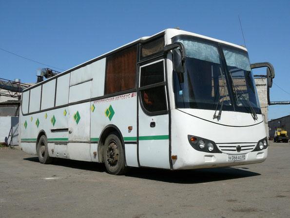 Довольно редкий грузопассажирский вариант МАРЗ-42191, 2003 года выпуска. Территория МАРЗ, май 2008