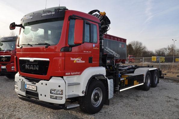 MAN TGS 26.440 с КМУ и системой MAN HydroDrive. Фото фирменное