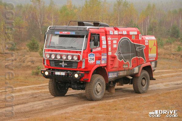 Спортивный грузовик для ралли-рейдов МАЗ-5309RR. Окрестности Минска. Фото Сергея Филиппова