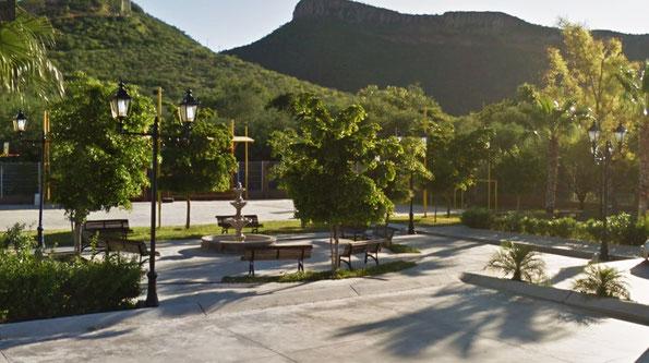 La Colorada en Hermosillo, Son. Suministro de postes ornamentales con luminarios Mod. Chapultepec