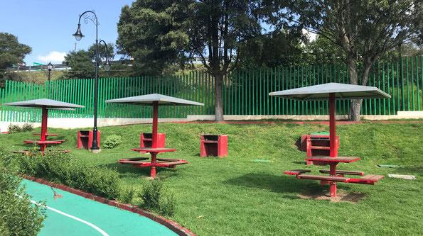 Unidad deportiva El Calvario en Lerma, Estado de México. Suministro de mobiliario urbano y postes para alumbrado