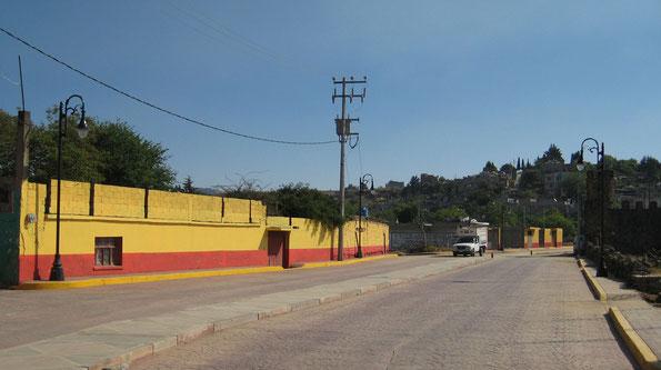 Juchitepec, Edo. Méx. Suministro de postes y luminarios con tecnología de ahorro de energía LED