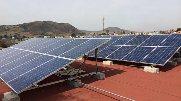 Suministro e instalación de sistema fotovoltaico de interconexión a CFE. 7.5 Kw de potencia con microinversores APS en el Centro de Desarrollo Comunitario Calayuco Juchitepec, Edo. Méx