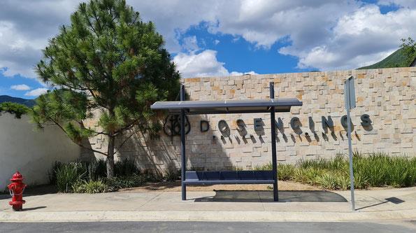 Teatro Allende en CD Allende, N. L. Suministro de postes ornamentales para alumbrado, bancas y cestos de basura.