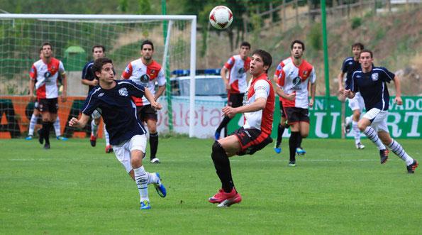 Álvaro Hernando, lateral izquierdo con pasado en el grupo vasco de Tercera. Foto: www.larioja.com