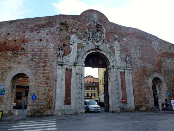 Bild: Alte Stadtmauer von Siena