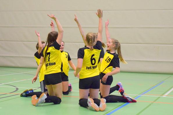 So seh´n Sieger aus! Spielerinnen: Amina Pecanin, Katharina Strick, Antje Poets, Carolin und Anna de Vries, Lisa Cornelius