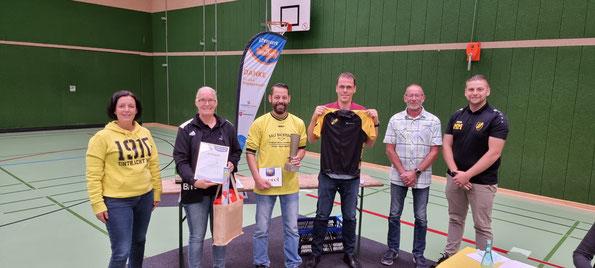 v.l.n.r.: Anne Thonicke, Nicole und Holger Süßmann, Enrico Zieker, Hans-Dieter Klaassen und Marcel Müller