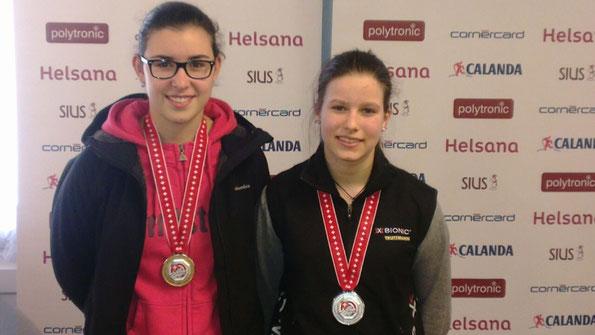 Links: Valentina Frione, Rechts: Julia Oberholzer, beide Nachwuchsschützinnen vertrauen auf AXIA TRIPLE X