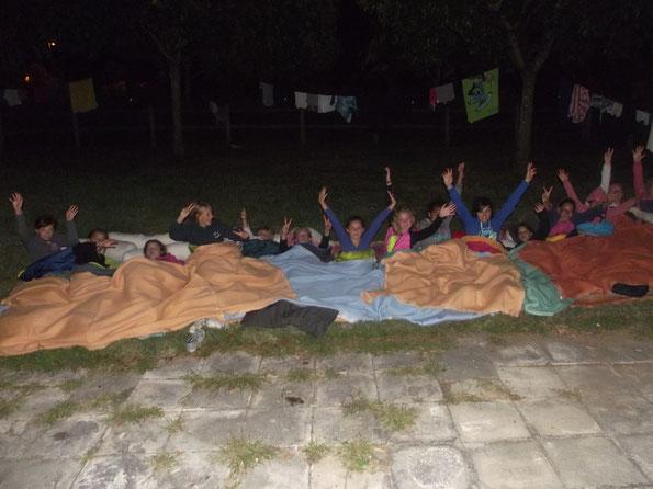 Nuit à la belle étoile pour les filles