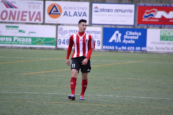 Unai Díaz, autor del tanto del empate del Laudio B. El centrocampista suma 8 dianas y es el máximo goleador del Preferente.