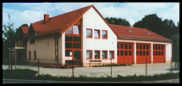 Wohn- und Gerätehaus der FFW 2002 - Quelle: Verlag Heimatland Sachsen