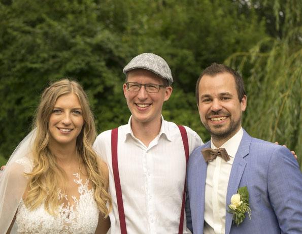 Hochzeitsredner München, Freie Trauung Bayern, Strauß und Fliege, Hochzeitsredner