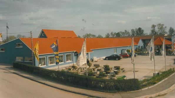 Bauunternehmen, Baumarkt, Fliesenausstellung in Auhausen, bei Wassertrüdingen in Bayern.