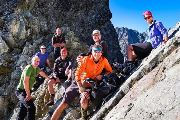 Unser super Team - mit Samuel, unserem slowakischen Bergführer, vorne in orange.