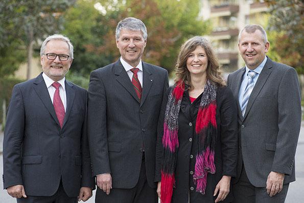 Gemeinderatkandidierende 2014 Mitte Thun mit dem gewählten Konrad Hädener (2.vl)
