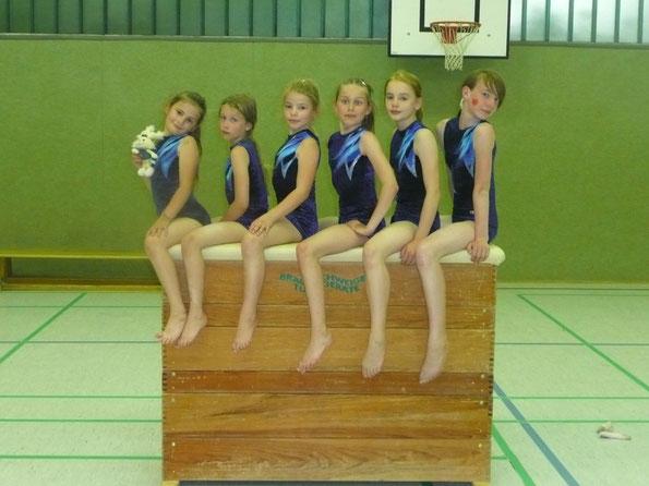 Auf dem Foto von links nach rechts Lina Hoche, Carolina Lerche, Anneke Riemenschneider, Annalena Lerche, Alina Pischel und Karina Hartmann.
