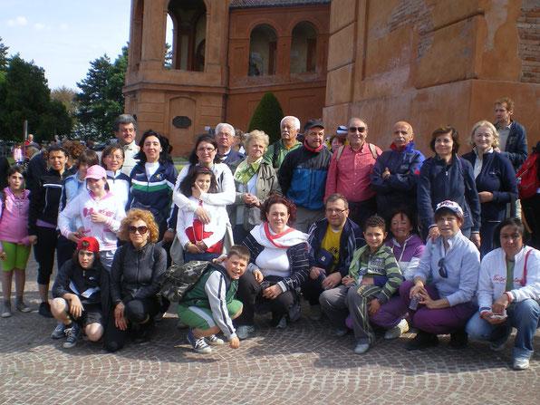 01. maggio 2010 Un gruppo di pellegrini all'arrivo al Santuario