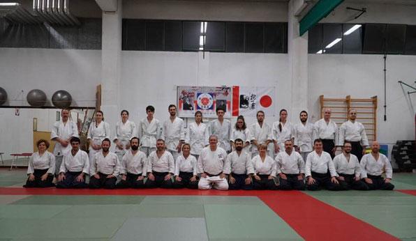 Foto di gruppo dei partecipanti al koshukai nella sessione di sabato pomeriggio.