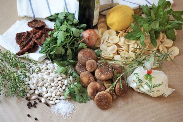 Orecchiette mit Shiitake, weißen Bohnen und Burrata. Kräftig und fein zugleich!