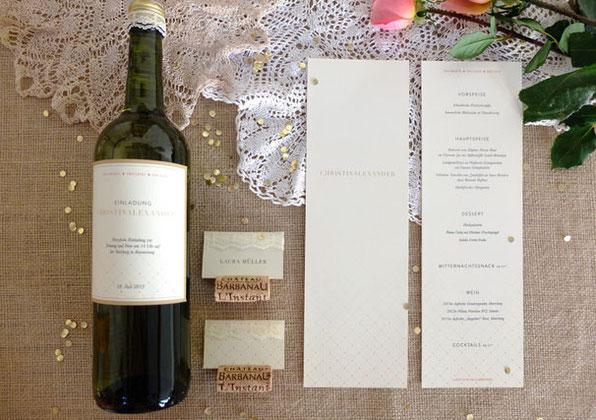 Einladungskarte als Flasche im Vintagstil