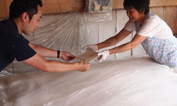 角真綿は薄く引き延ばす!
