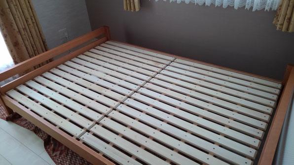 ダブルサイズのすのこベッド