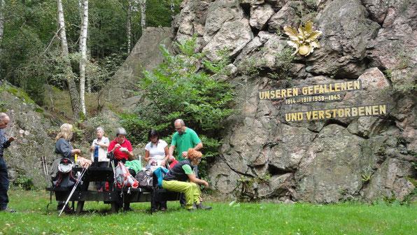 Rast am OWK Ehrendenkmal