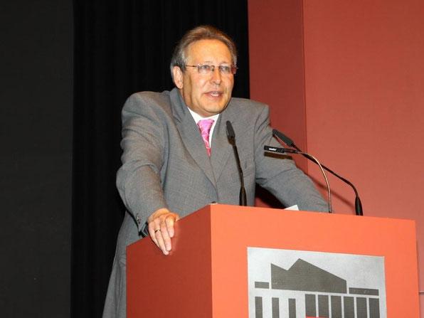 Rektor Joachim Paul bei seiner Ansprache