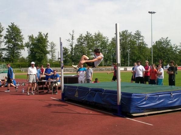 Philippe Baum beim Hochsprung: 1,53m - eine tolle Leistung!