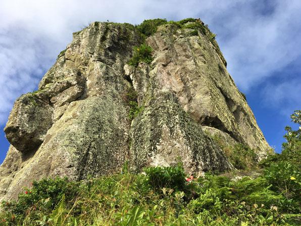 Te Rua Manga summit, top of Te Rua Manga, Mountain hiking in Rarotonga,