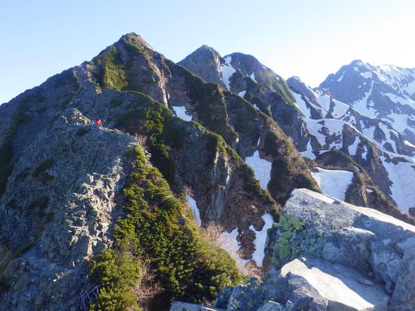 西穂高岳へ続く稜線