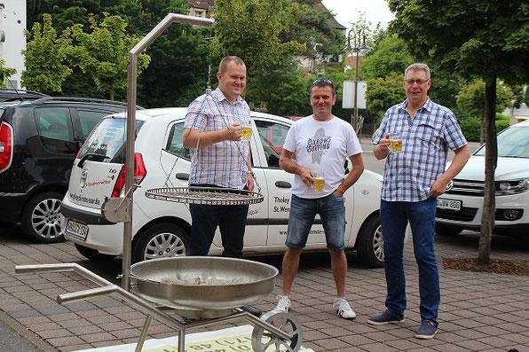 Volker, Willibald und Axel Haab lassen es sich gut gehen