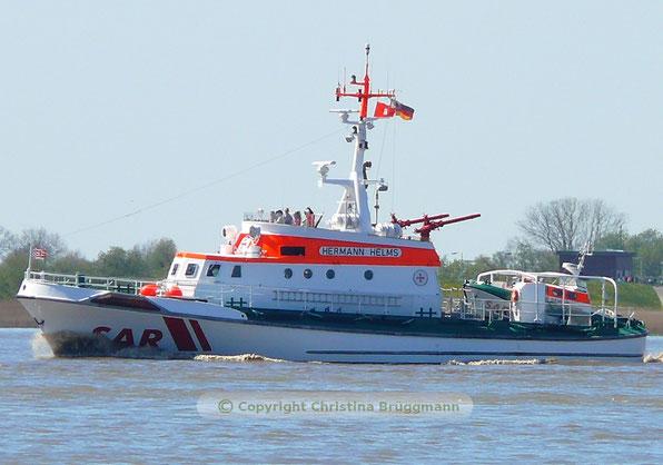 Seenotkreuzer HERMANN HELMS auf Fahrt zum Hamburger Hafengeburtstag 05.05.2016