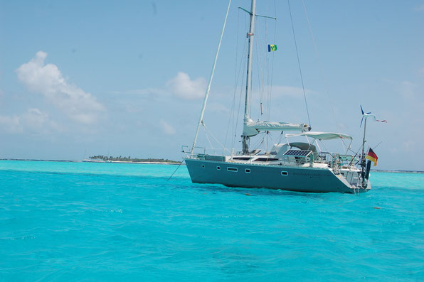 Mit Worten kaum zu beschreiben: Traum in blau, in den Tobago-Kays / SVG   März 2012