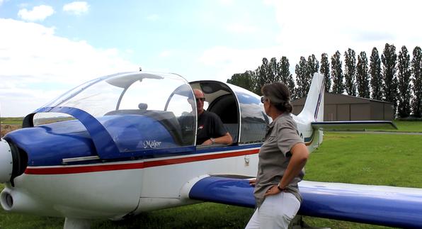 Avion et moniteurs de l'aérodrome du Plessis-Belleville