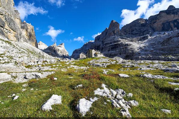 Dolomiti di Brenta, Rifugio Tuckett Quintino Sella