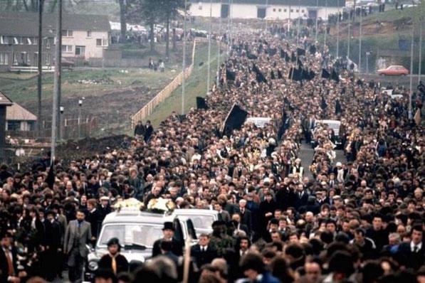 Ved Bobby Sands' begravelse i maj 1981 deltog omkring 100.000 mennesker