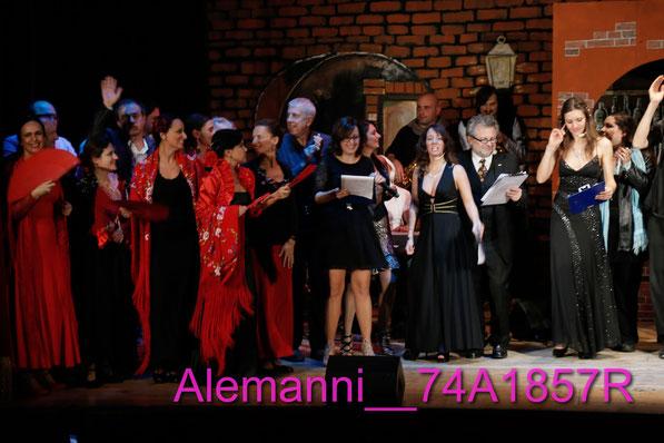 i saluti della compagnia  Pardo Mariani al teatro Alemanni -IMU Italiani ,Mazzette ed Umorismo VARIETA'