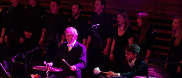 Der 21st Century Chorus beim Projekt mit Pegasus an der Radio Pilatus Music Night (Foto: Boris Macek)