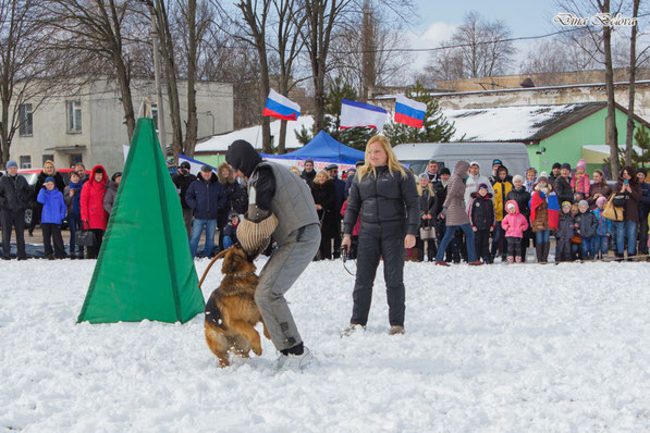 Таринская Оксана и СВ Атлика показательные выступления по защите.