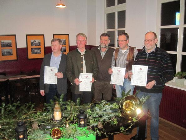 Wurden geehrt: Onno Leiner-Bruhn 30 Jahre, Hans-Heinrich Wilken 50 Jahre, Rolf Wessels und Wolfram Walter 20 Jahre (vLnR)